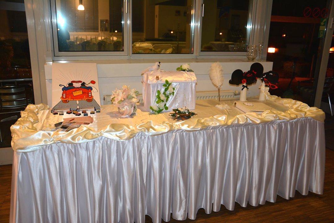 Geschenktisch-Hochzeit