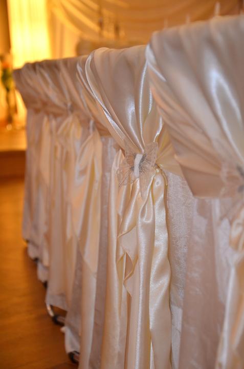 Stuhl-Hochzeitsdekoration