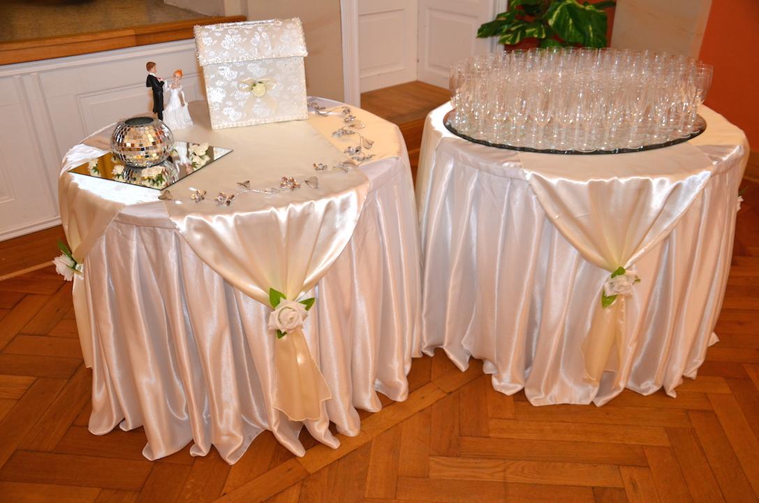 Hochzeitsdeko-Geschenktisch-2