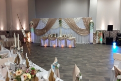 Elegante Hochzeit in Gold- Weiß Farben