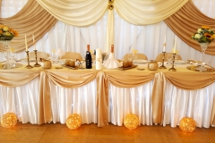 Hochzeitsdeko-in-Gold