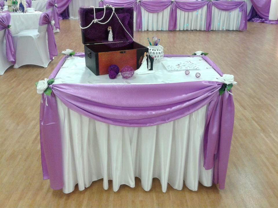 Geschenktisch-Hochzeitsdeko-1