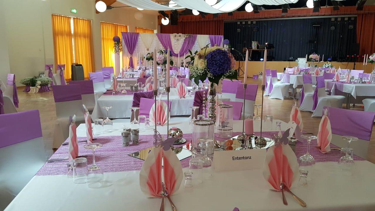 Hochzeitsdekoration-Sachsen-Lila