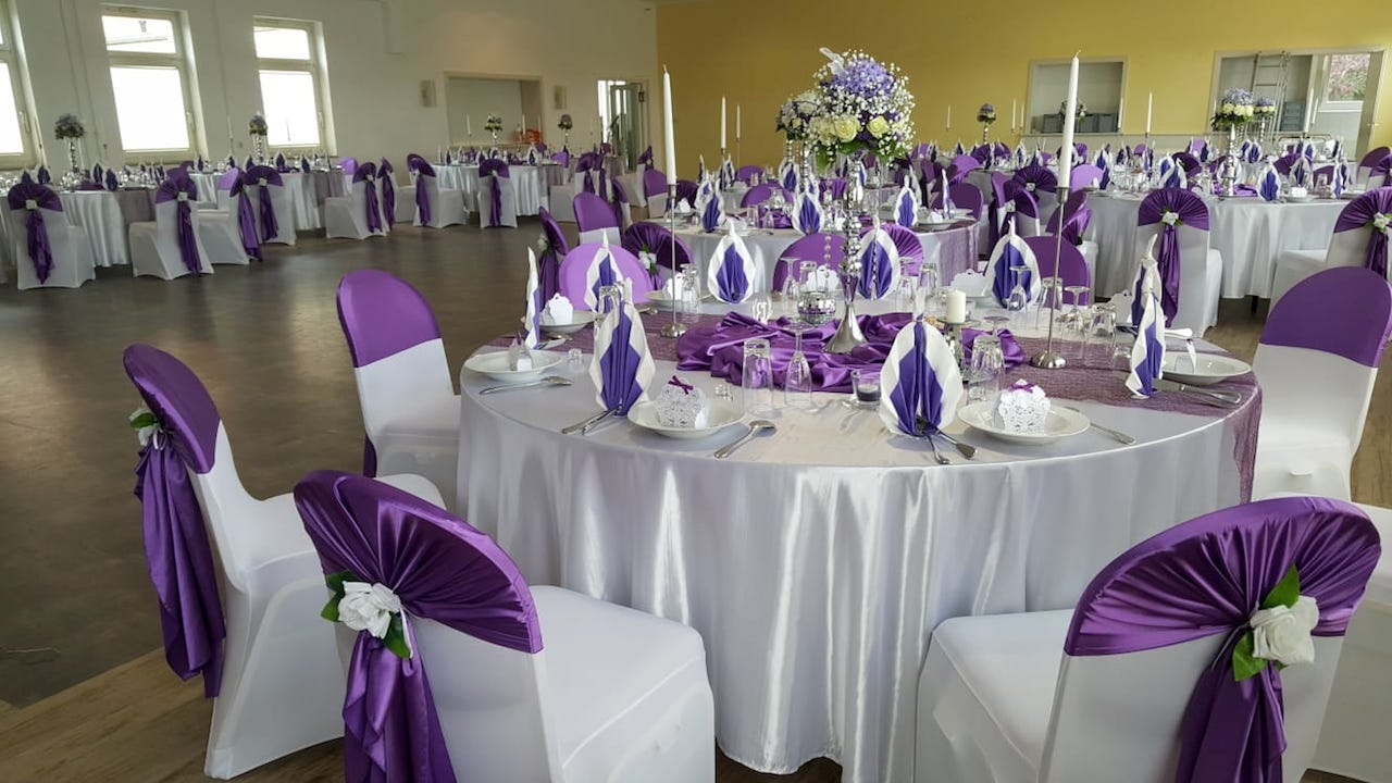 Lila Hochzeitsdeko